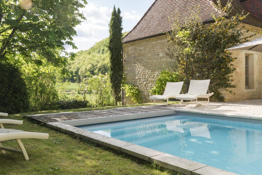 Gardens and pool outdoor views