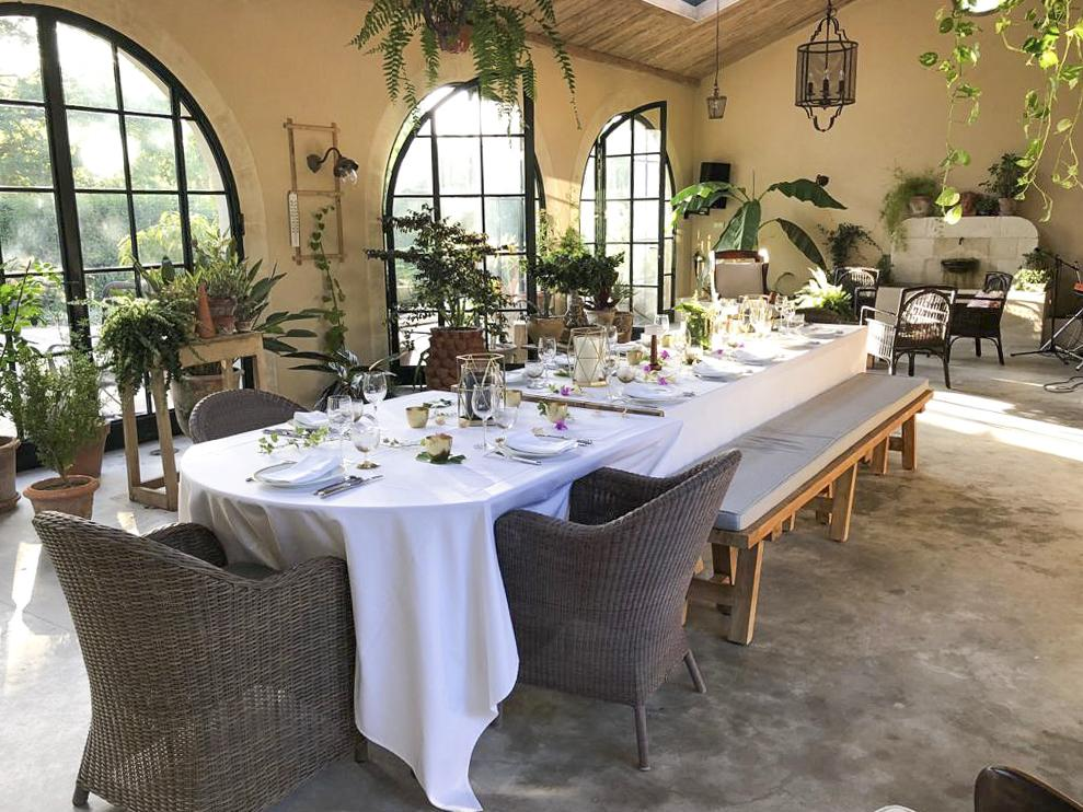 Lavish dining areas of the villa Avignon
