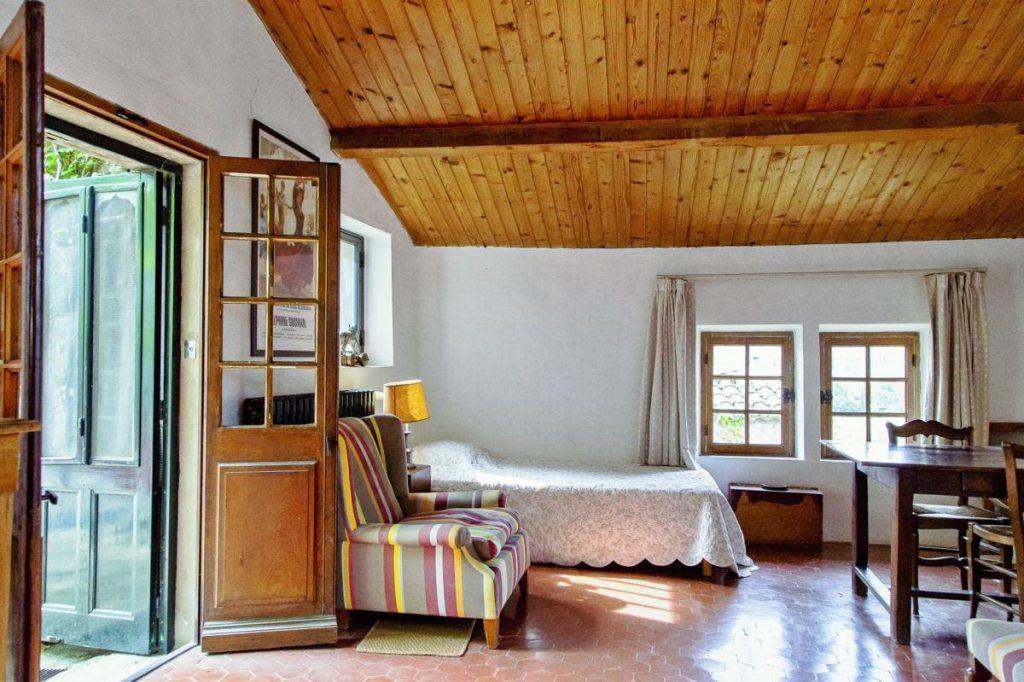 Large DOuble bedroom ensuite
