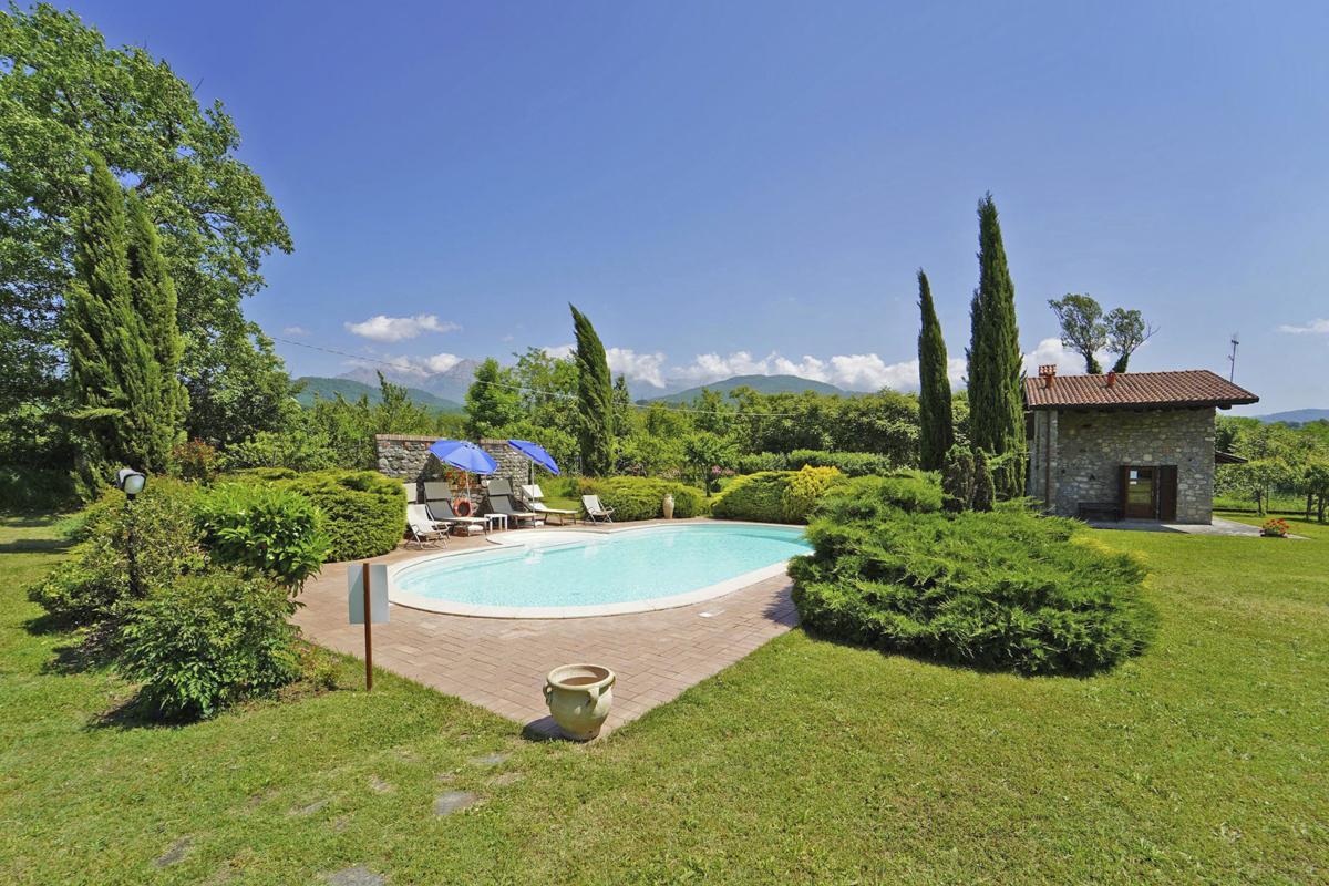 Budget villa in Tuscany Lucca pisaa La spezia