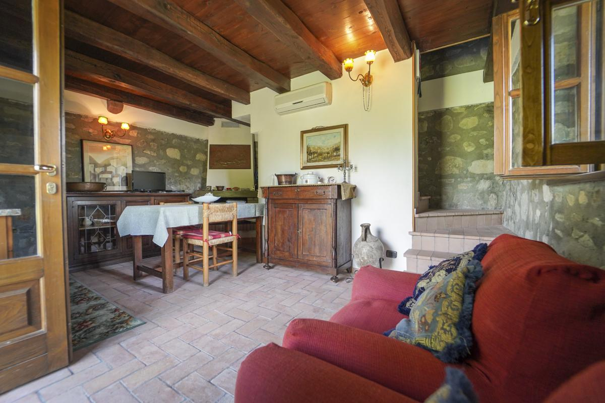 Open plan living kitchen of Lucca villa