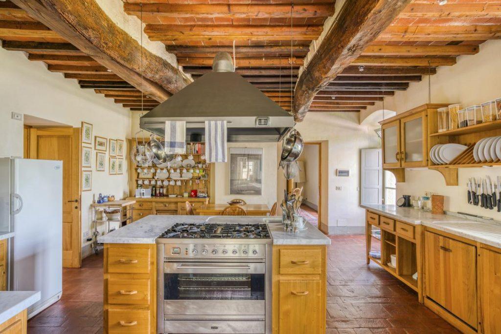 Kitchen diding room