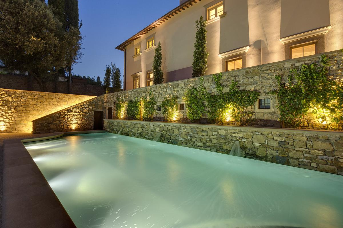 Swimming pool Large mansion villa in Tuscany