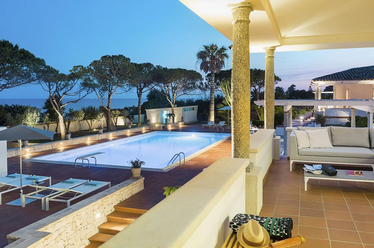 Party events outdoor pool Large Holiday villa Sicily