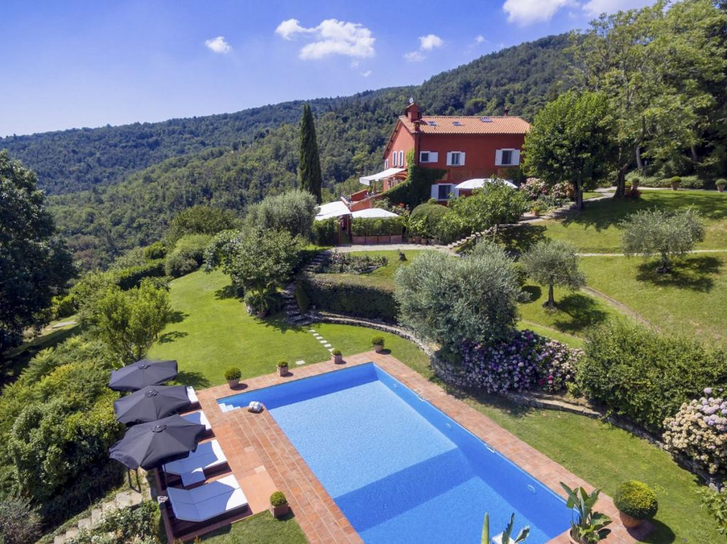 outdoor pool houses for rent in florence, italy