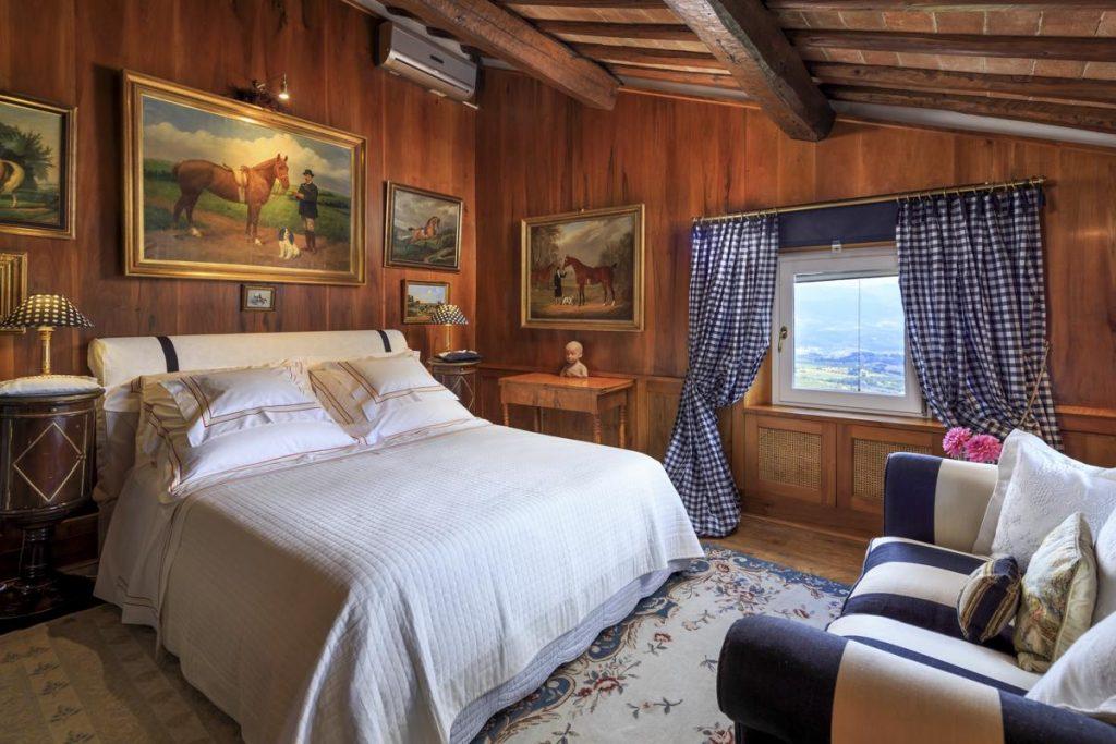 Enduite large bedrooms