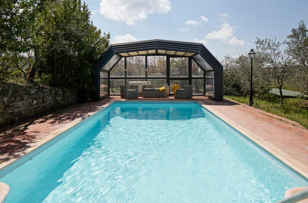 outdoor swimming pool wedding villa venue in Tuscany, Italy