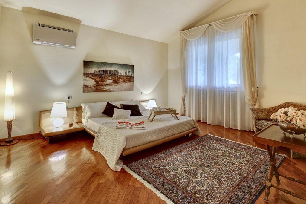 2nd floor double ensuite bedroom in the Arezzo villa