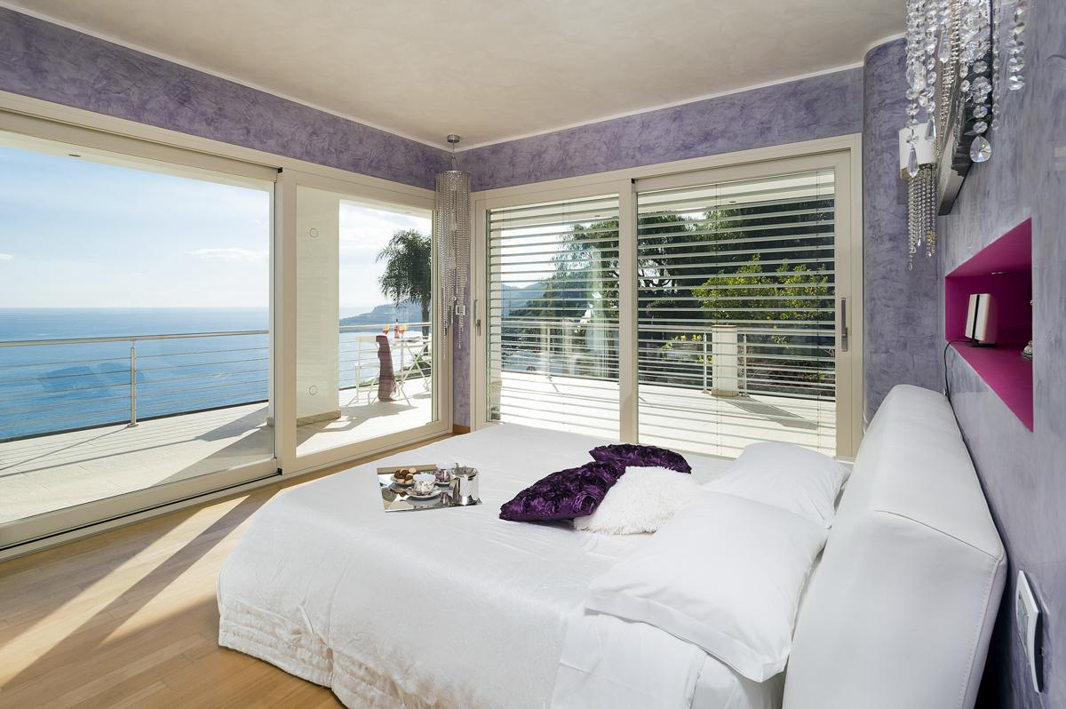 Double ensuite bedroom and views Sicily villa with pool near a beach