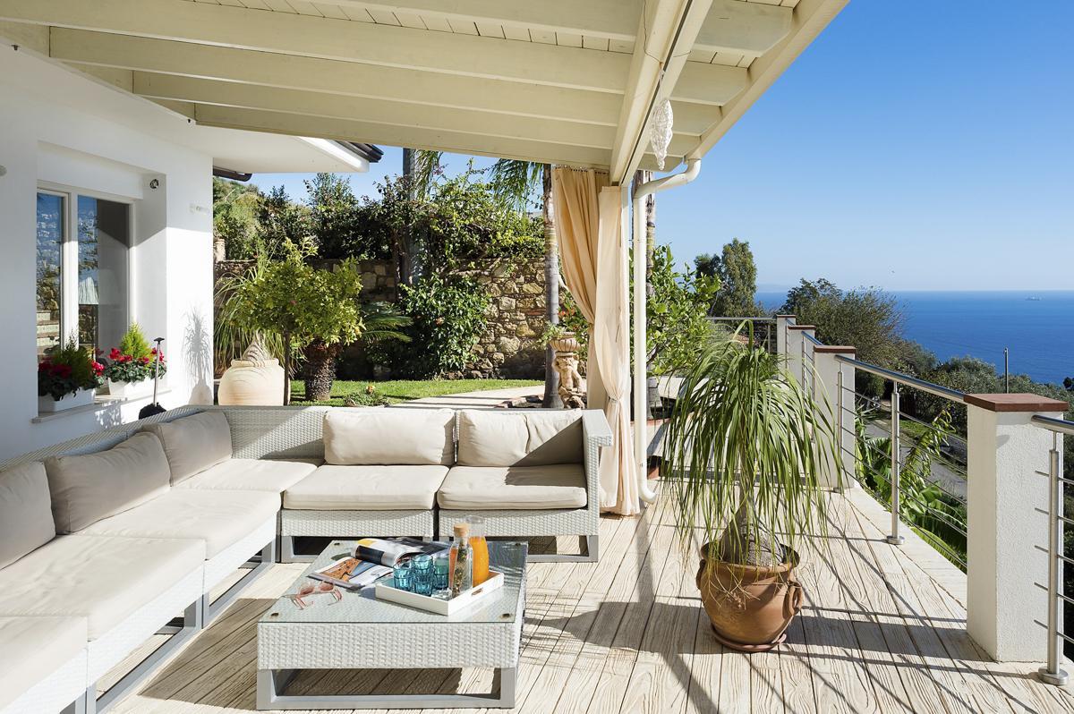 Gardens outdoor VIlla Exterior Luxury Sicily villa with pool near a beach
