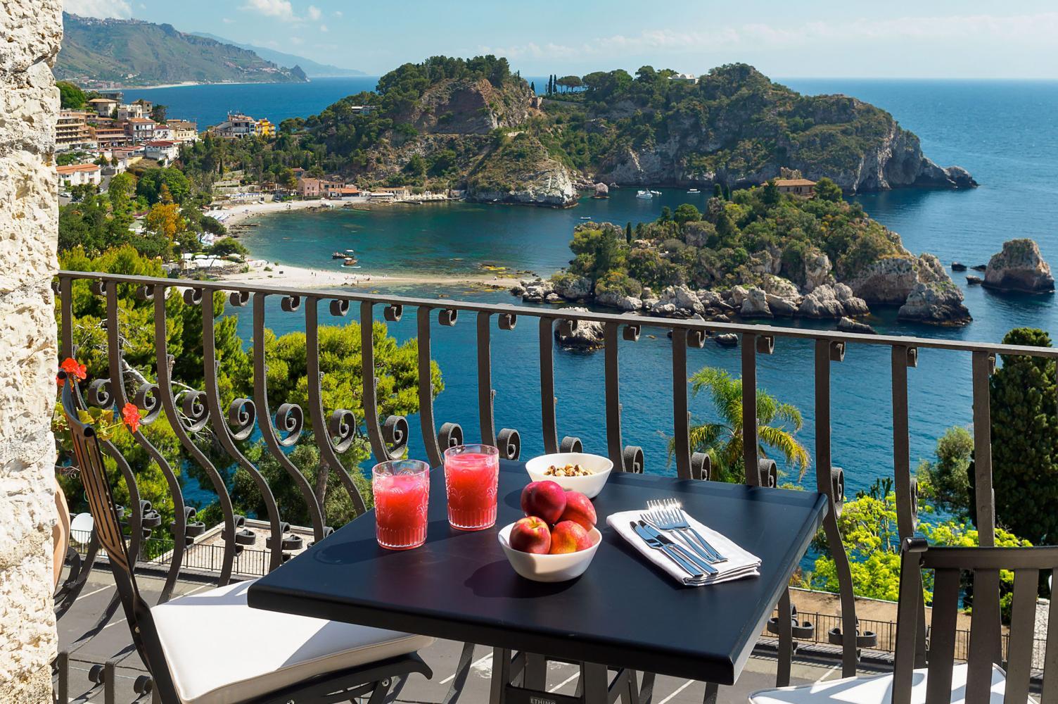 Outdoor views of the villa in Sicily