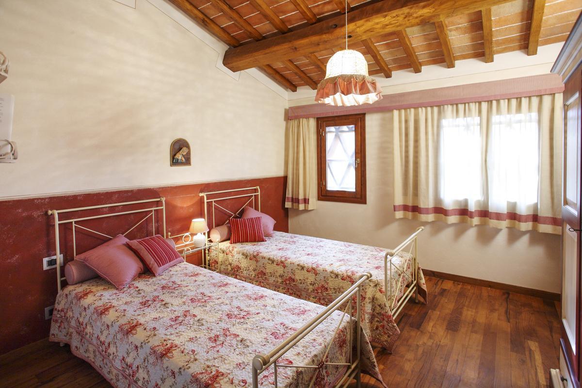 Twin ensuite bedrooms annexe
