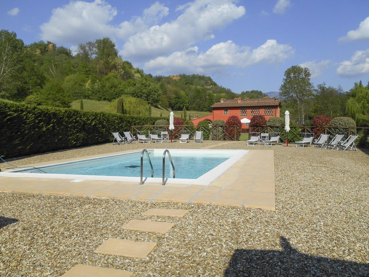 Swimming pool luxury vacation rental in Florence, Italy