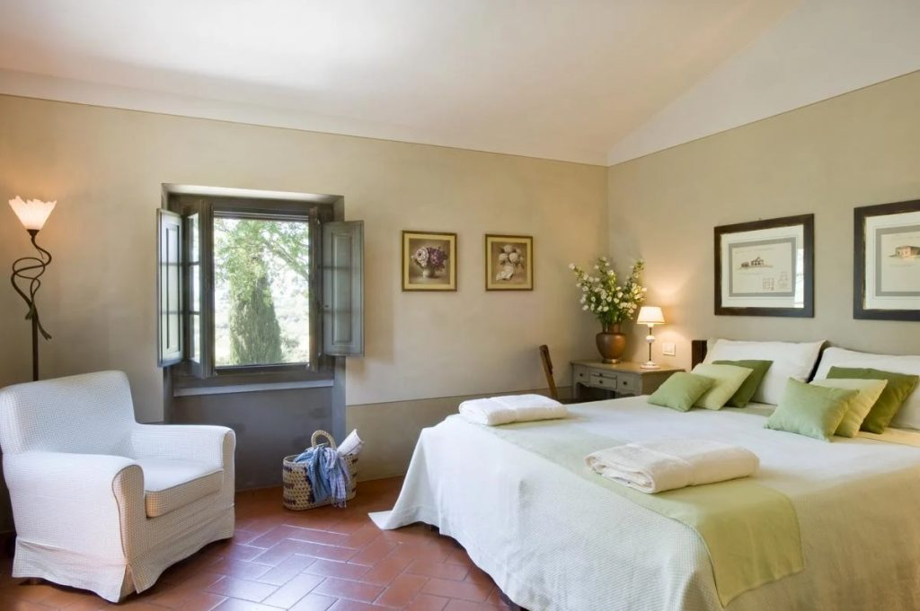 """""""nd double ensuite bedroom at the villa Arezzo"""