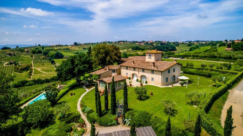 Villa house garden pool vineyards