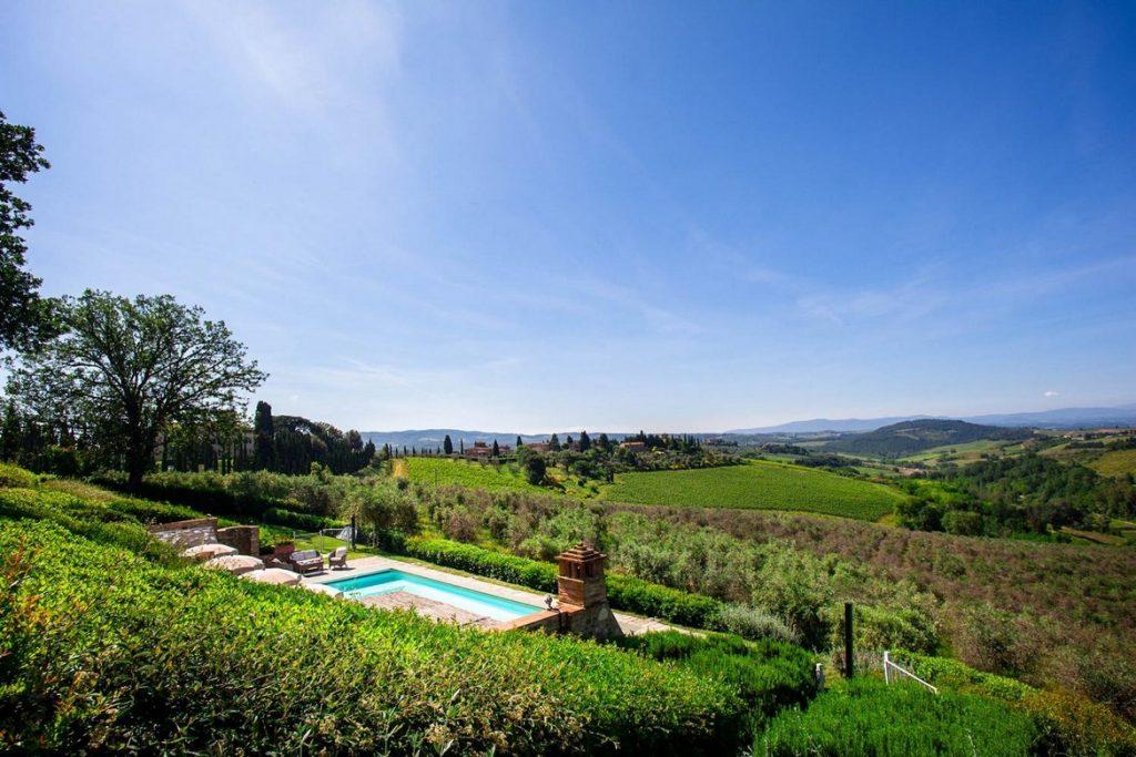 Swimming pool villa in the Chianti, Arezzo region