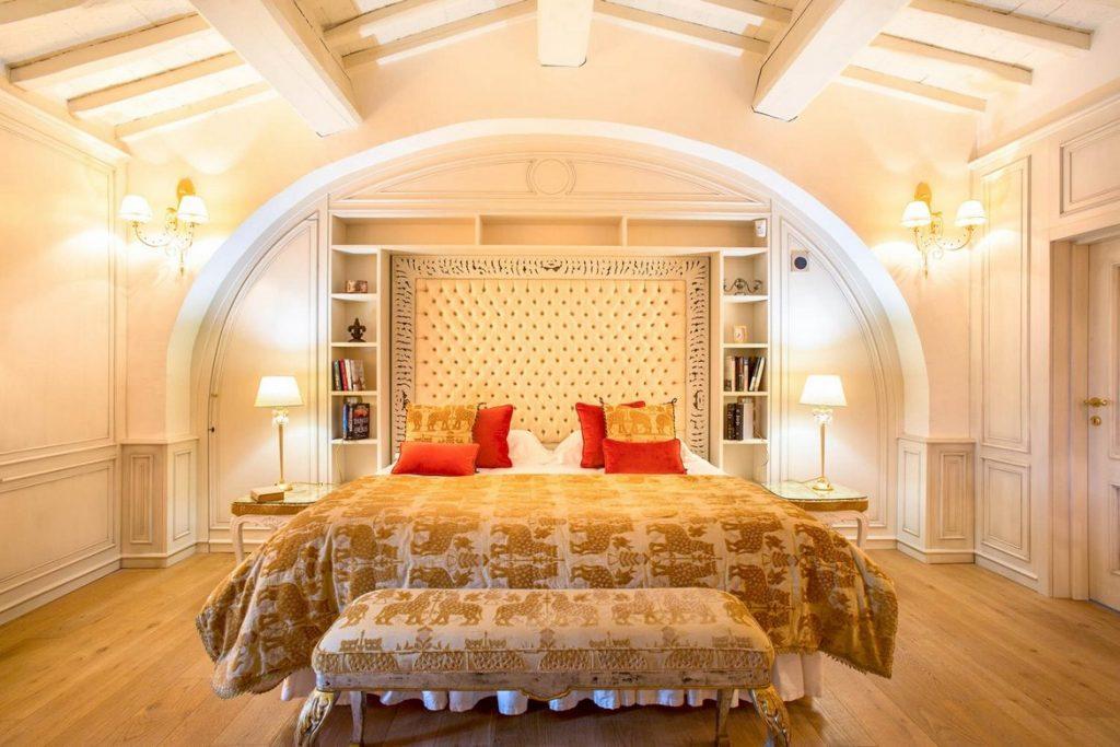 Ensuite Luxury double bedrooms Luxury villa in Tuscany Chianti