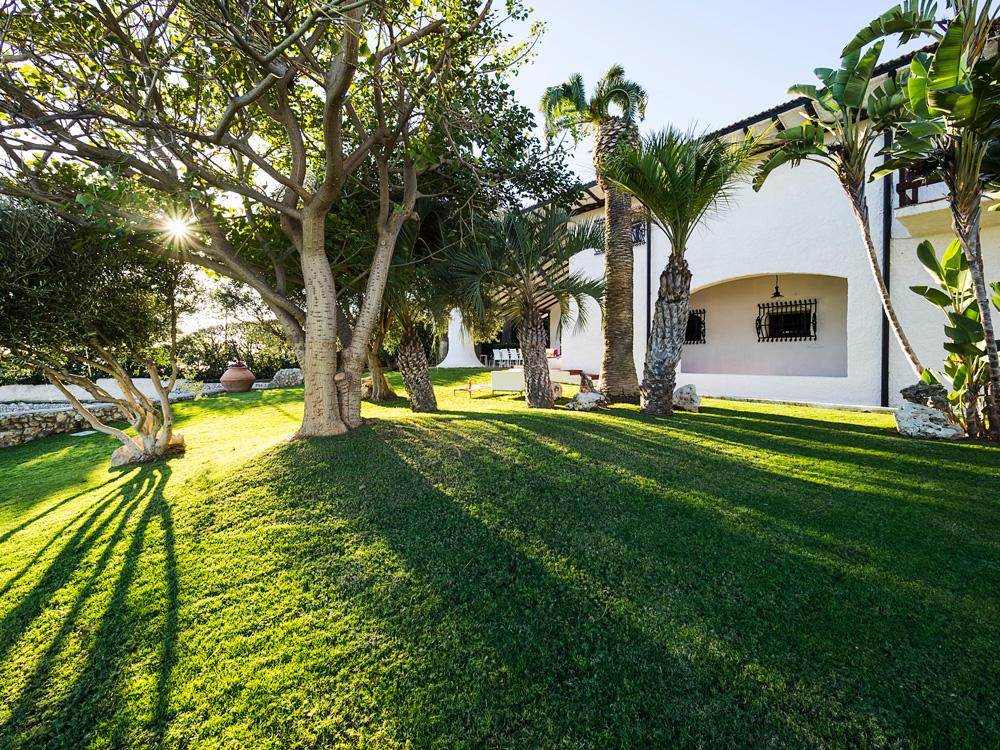 Garden house holiday villas in syracuse sicily