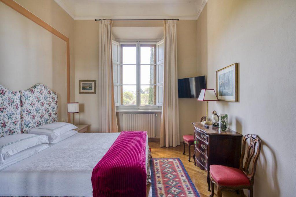 secong floor double ensuite queen bedroom