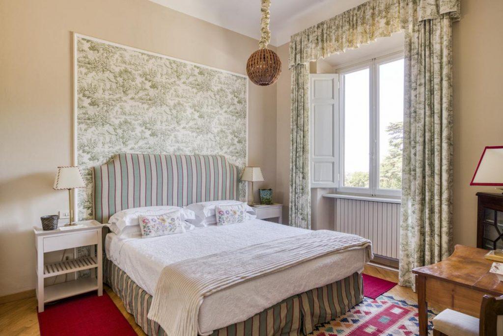 Double ensuite bedroom villa 2 florence