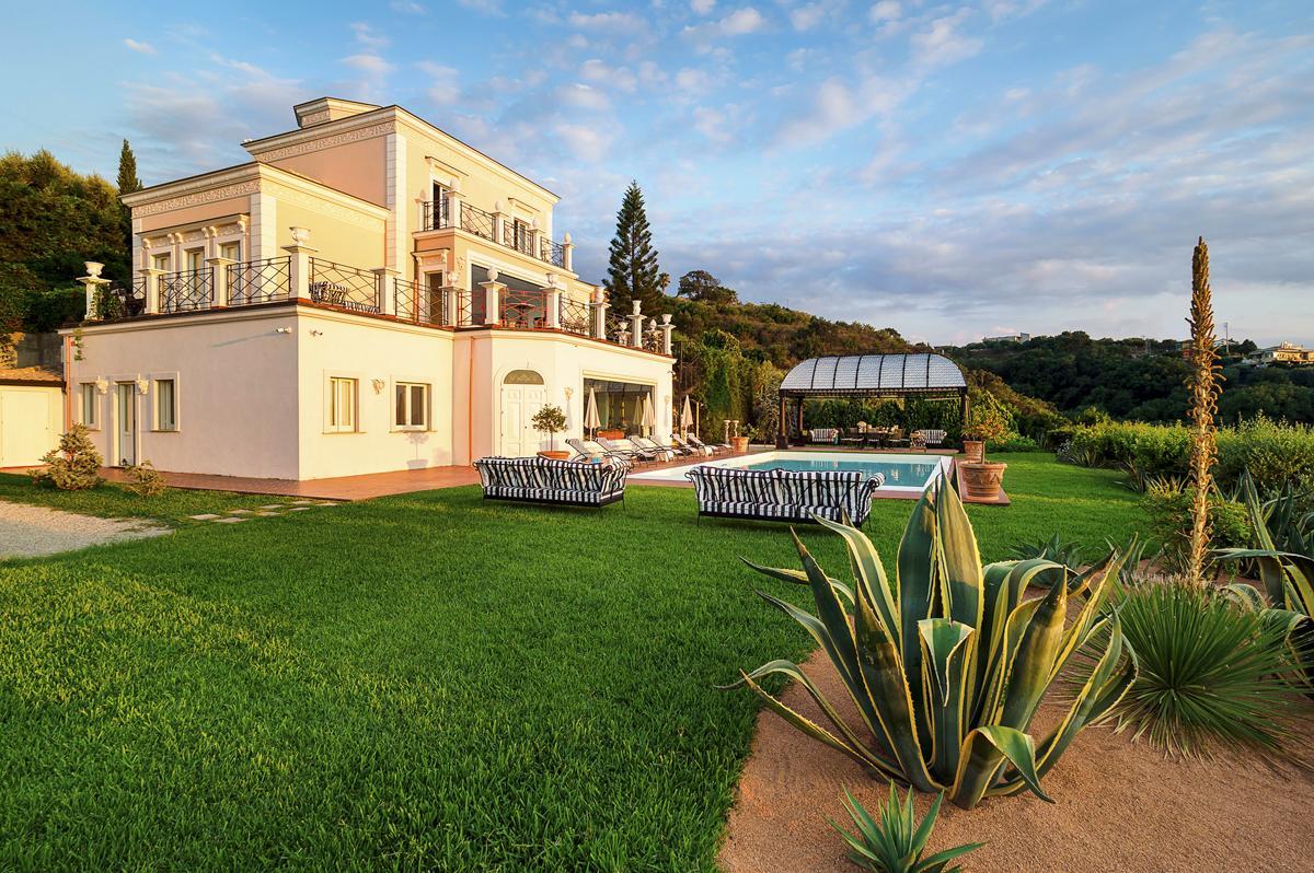 House Garden Pool Luxury Mediterranean villa in Sicily