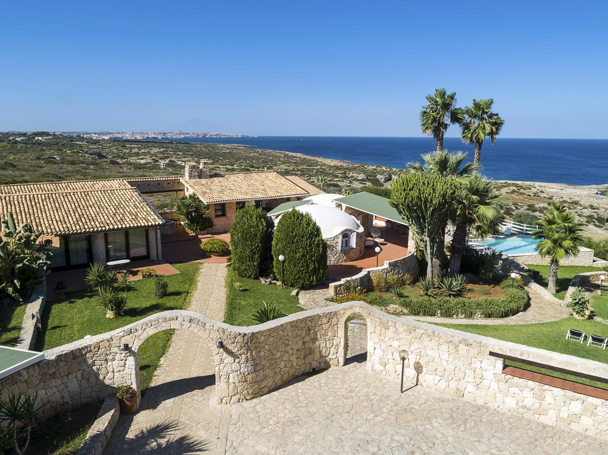 outdoor garden pool Luxury budget Private Holiday Villa Syracuse, Sicily