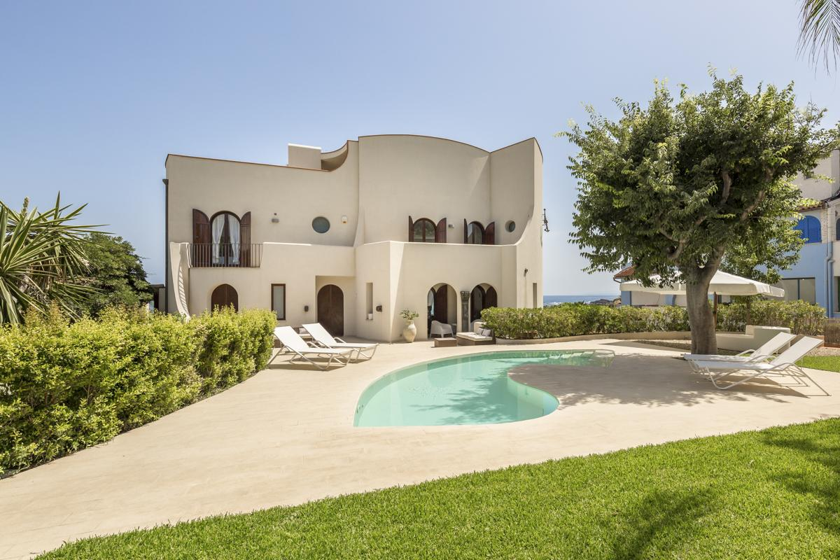 Pool house garden Beachfront Large holiday villa in Giardini Naxos, Sicily