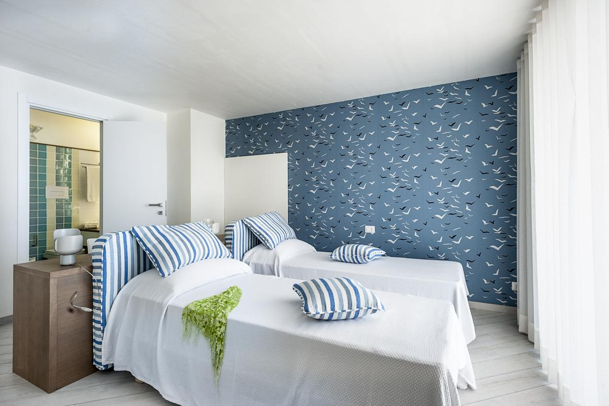 Master bedroom secone floor panoramic views