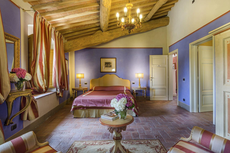 Double Enduite bedroom Lucca Luxury villa Italy