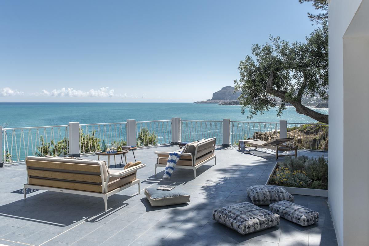 outdoor sitting area holiday villas in palermo sicily