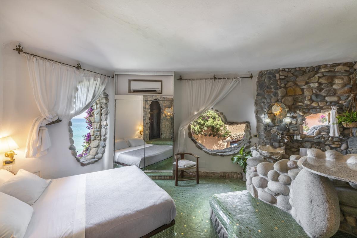 ensuite large double sea view bedroom