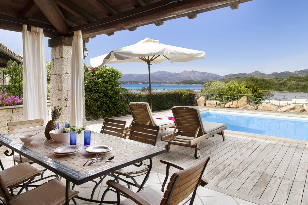 House Garden outdoor San Teodoro holiday rental with a private pool in Sardinia