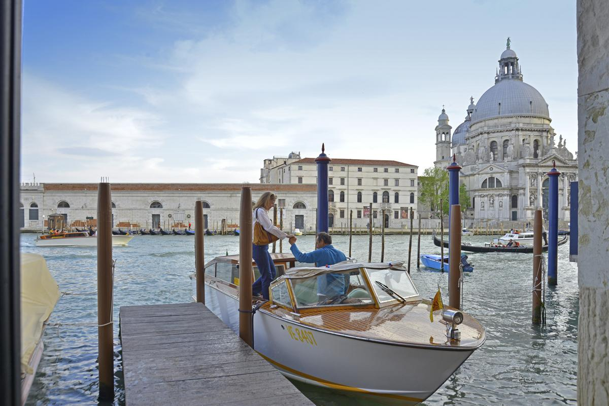 Jetty entranceLuxury holiday partment Venice