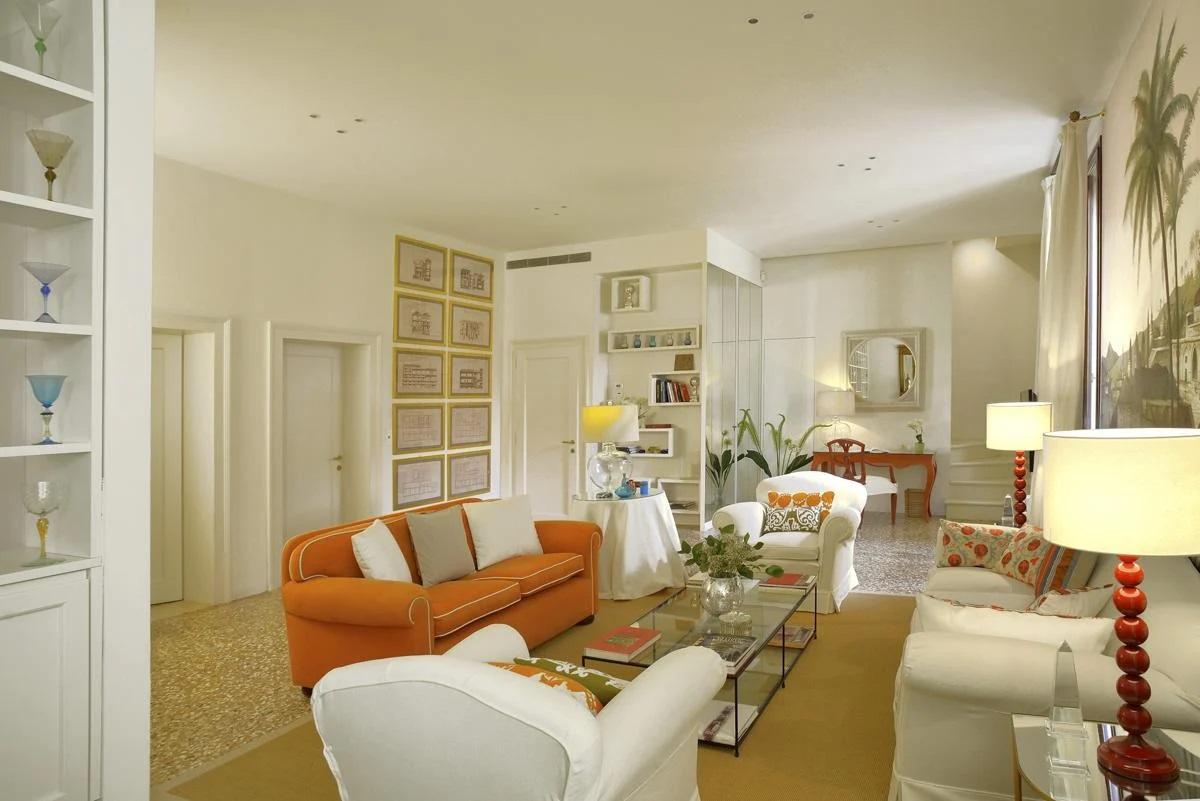 Venice apartment rental interior