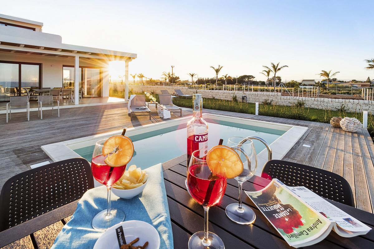 Syracuse house pool garden amily-Friendly villa holiday rental in Sicily