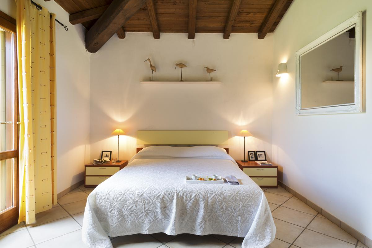 Double ensuite bedroom in budget villa in Sardinia