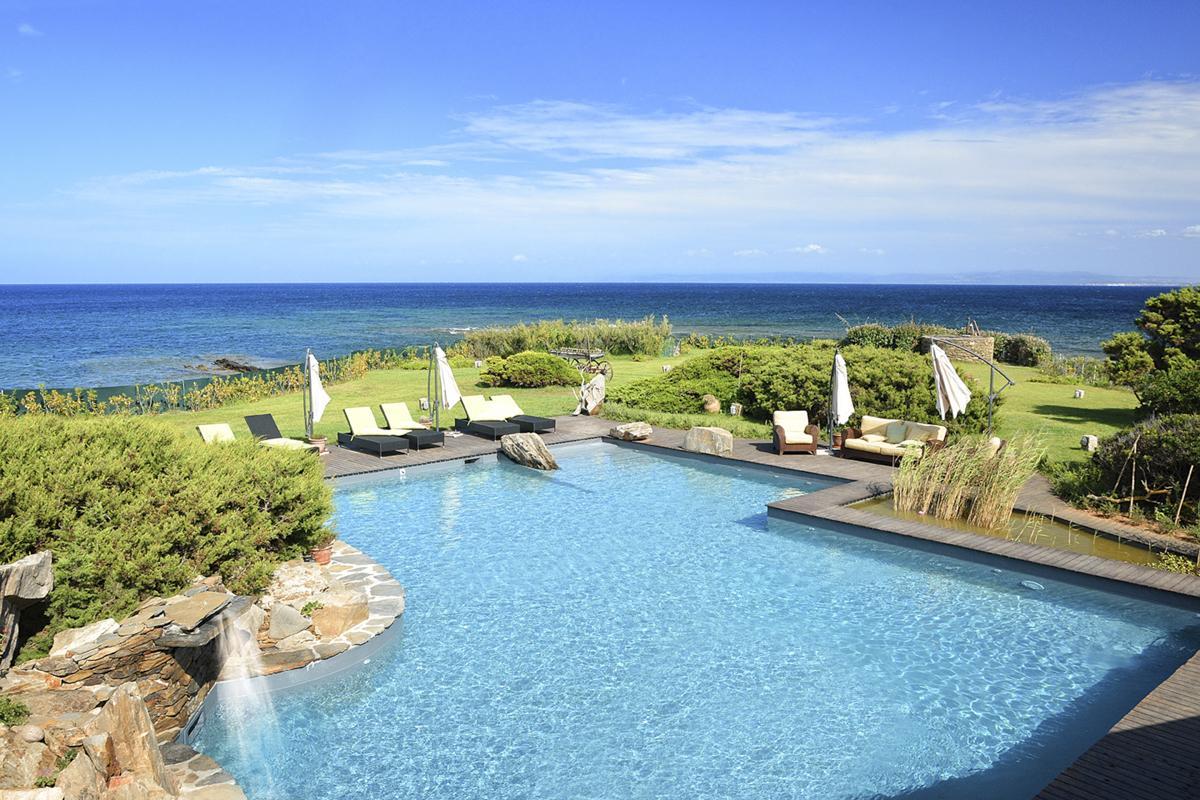 Pool garden Luxury beach villa with a pool in Sardinia