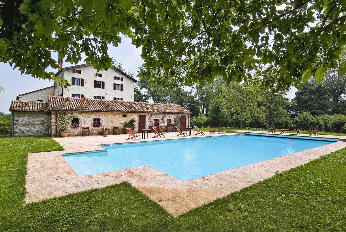 pool garden Luxury Veneto Villa Rental near Padua