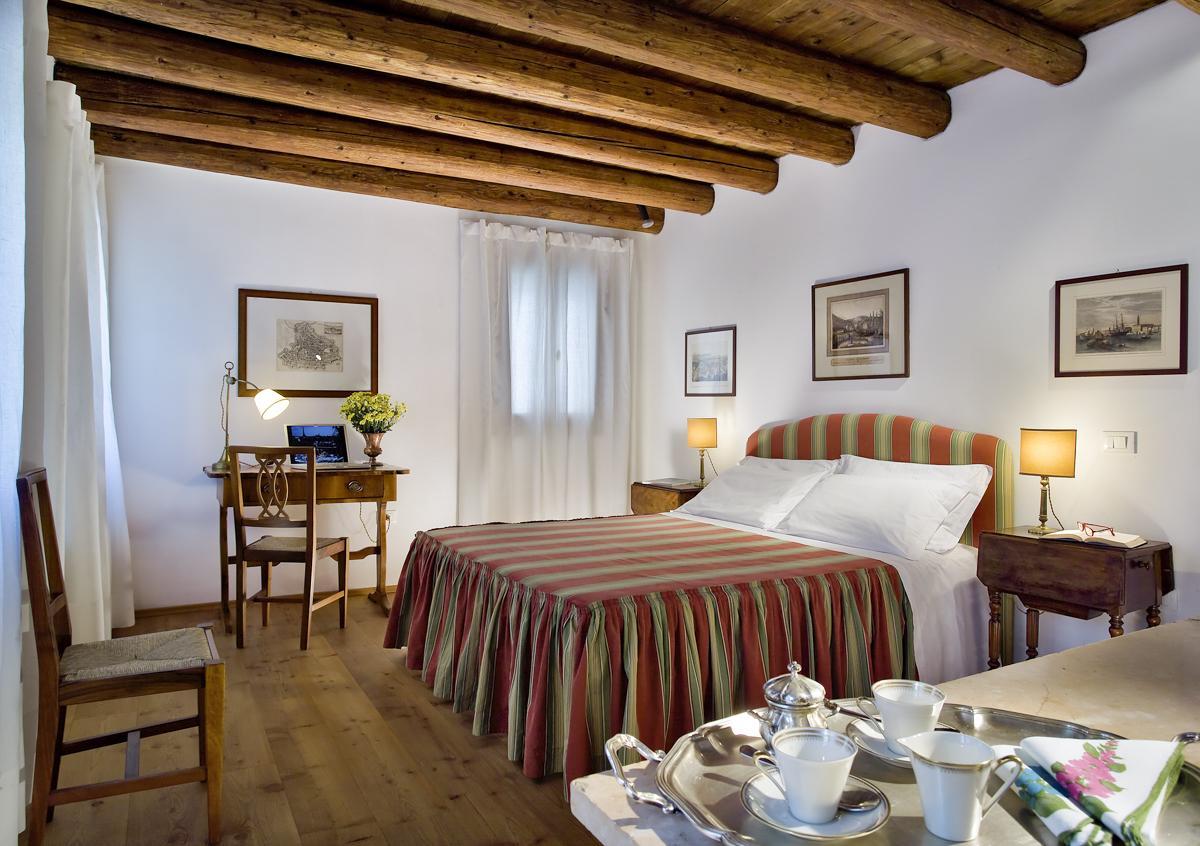 Large double ensuite first floor bedroom