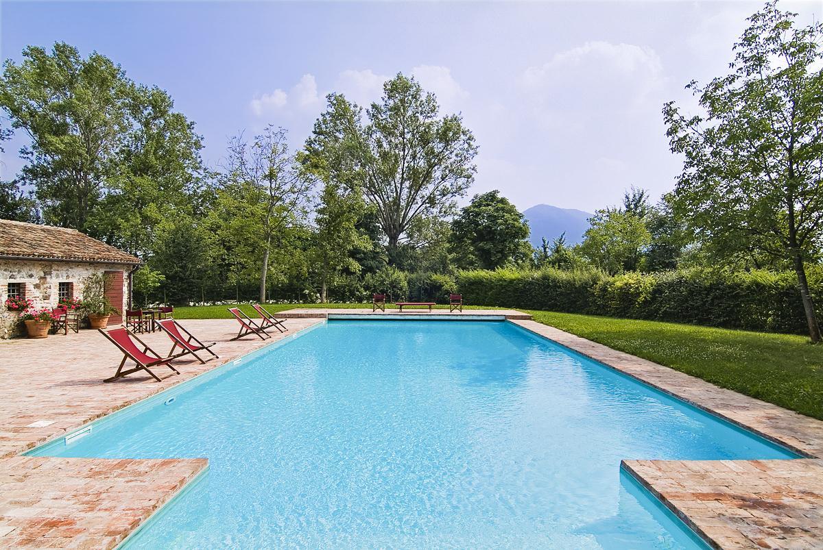 House large swimming pool Gardens