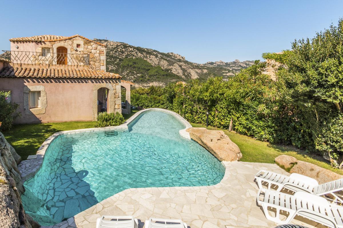 Swimming pool House garden Luxury family villa in Sardinia, near Porto Cervo