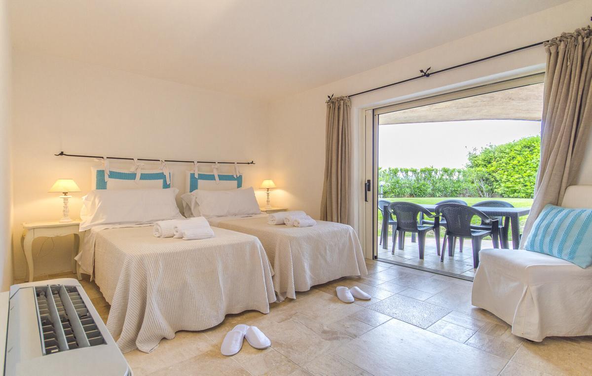 Twin Ensuite bedroom Luxury family villa Sardinia