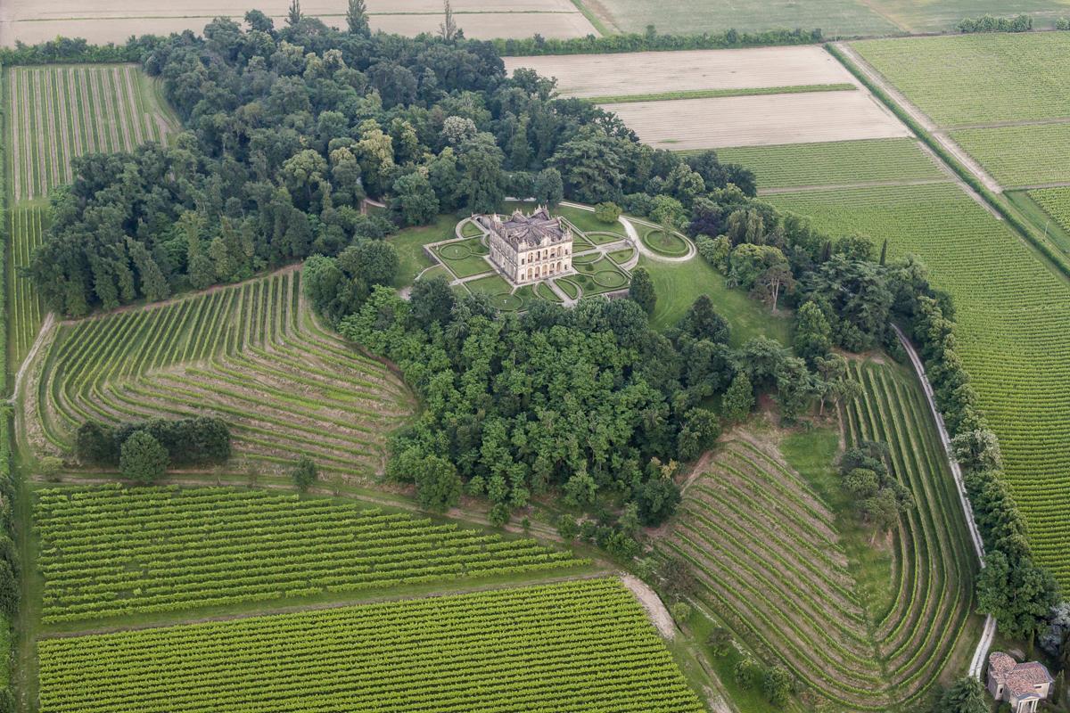 View from above Palladian Luxury Italian villa for rent in Veneto