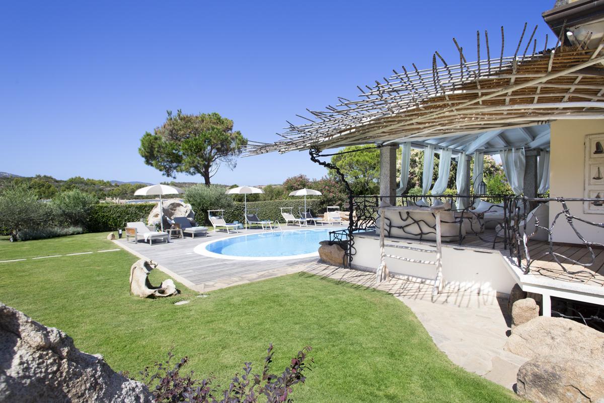 Garden pool outdoors family-friendly holiday villa in Costa Smeralda