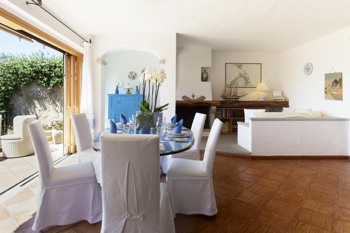 Villa interior dining room